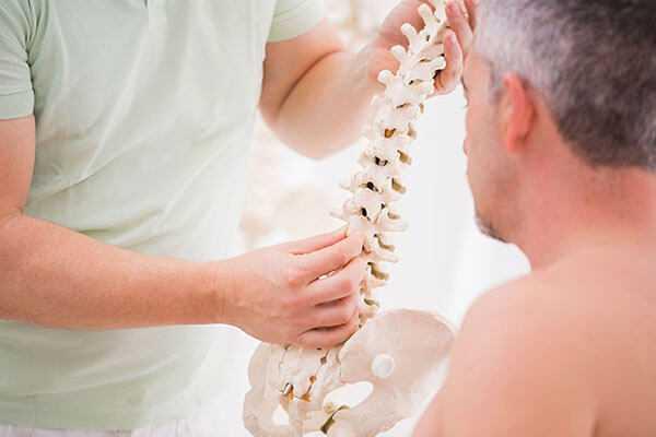 Лечение межпозвонковой грыжи спины